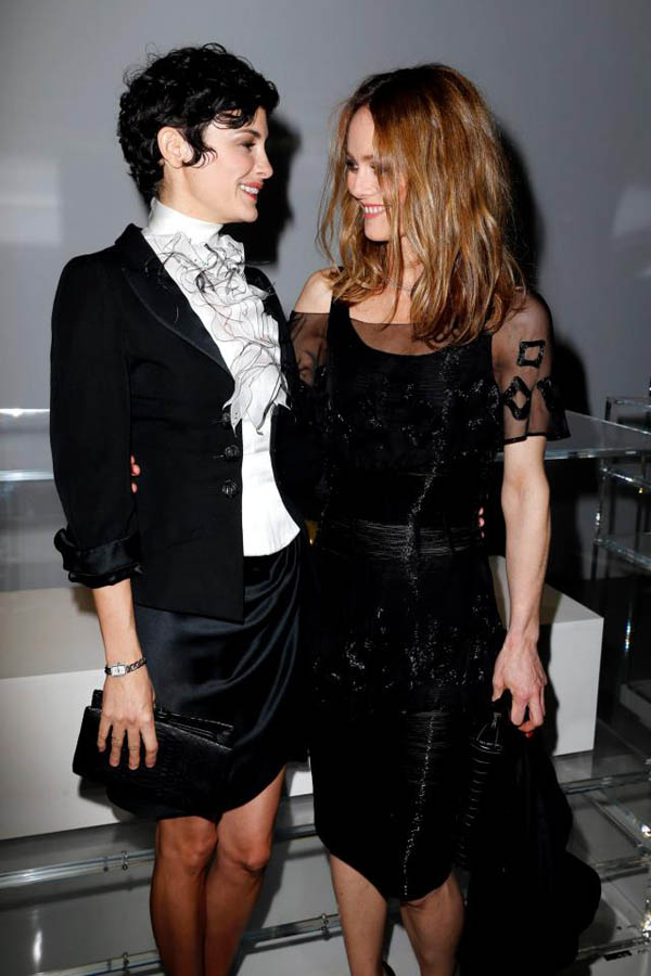 Audrey Tautou and Vanessa Paradis Izložba The N°5 Culture Chanel