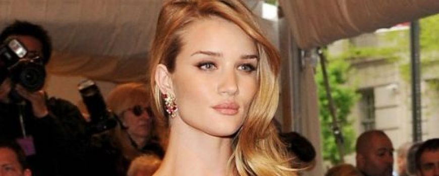 Celebrity stil dana: Rosie Huntington-Whiteley