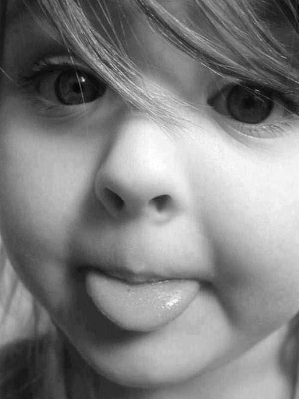 Ja mislim da je bolje da imam telefon za svaki slučaj nego da ga nemam Tako Dunja kaže: Ponekad je kćerka tatin sin!