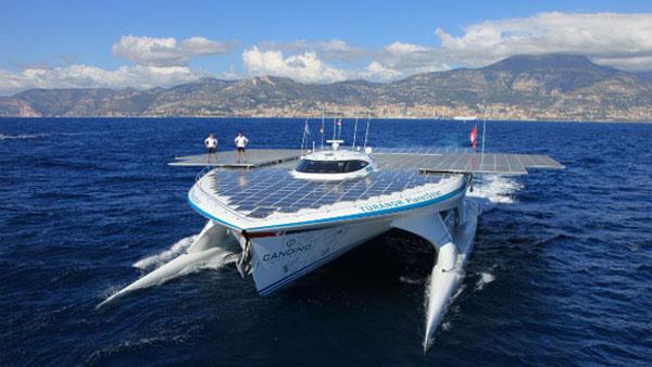 Jahta i posada na solarnim pločama Brodovi novog doba: Luksuzne jahte