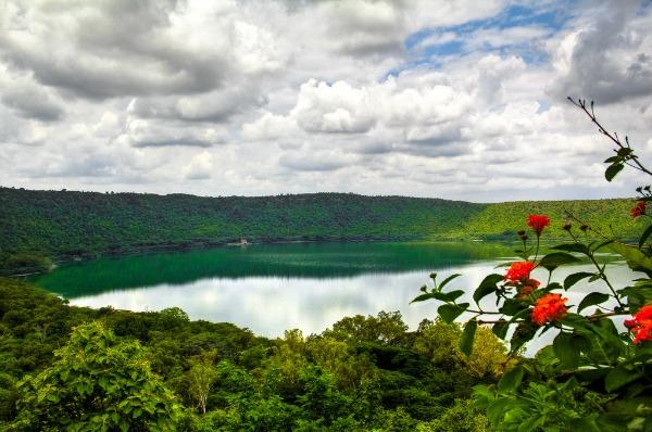 Jezero Lonar Fascinantna kraterska jezera
