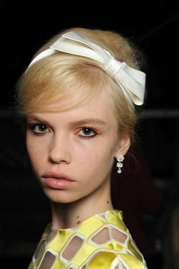 Louis Vuitton Beauty trend za proleće/leto 2013. godine: Podignuta kosa