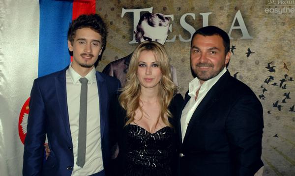 """MijatovicBestic Karic Premijera """"Tesle"""" kao i prva nedelja izvođenja rasprodata u roku od dva sata"""