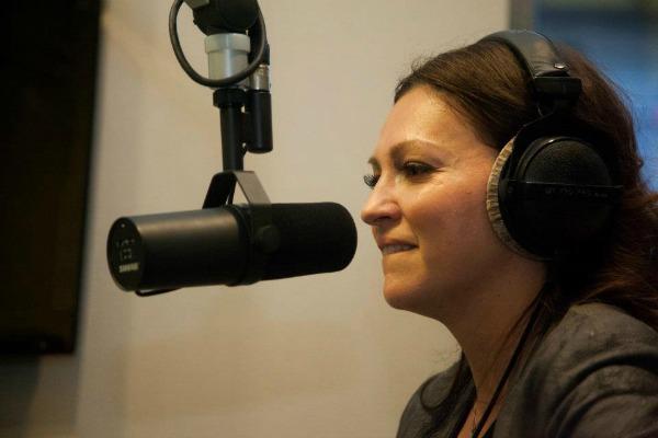 Nina Badric u studiju Twitter na crvenom tepihu: Da zakopčam jeleče, ne treba mi, nano