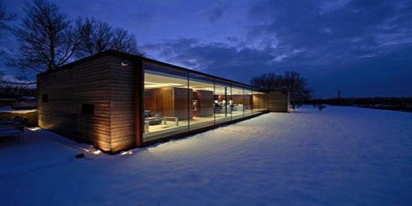 Pogled na snežnu panoramu u sumrak Poslovni prostori u znaku kreativnosti