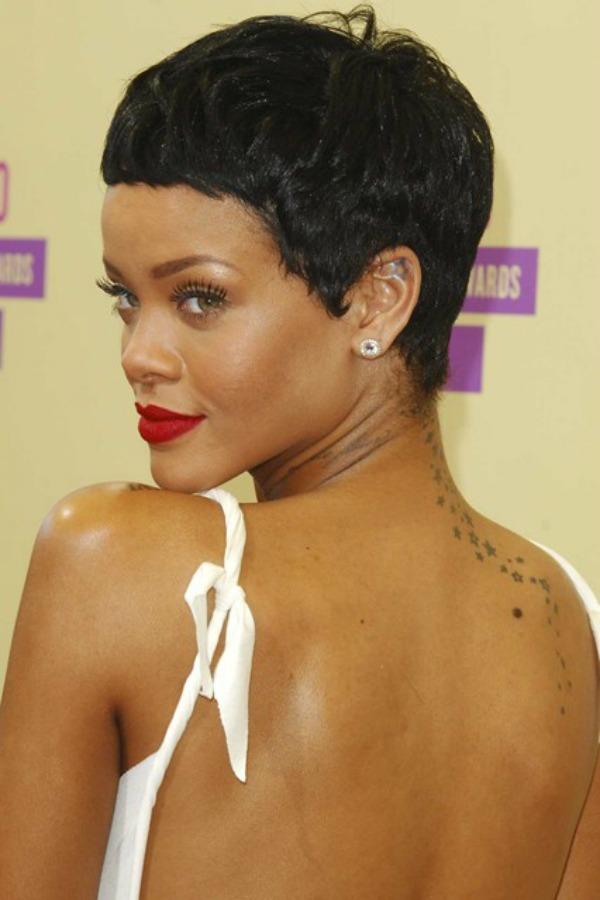Rijana 9 Beauty Moments: Najlepše frizure, Rihanna