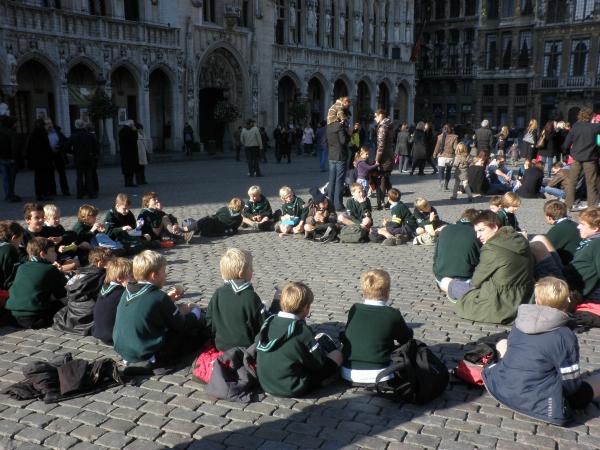 Sede na betonu Pismo iz Evrope: Sve k'o sve, al' da sede na hladnom betonu