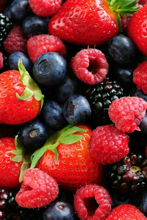 Tamno bobičasto voće 30 najefikasnijih namirnica koje pročišćavaju kožu (3. deo)