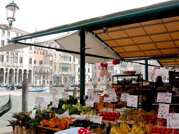 Venice Rialto market Ulične pijace u svetu