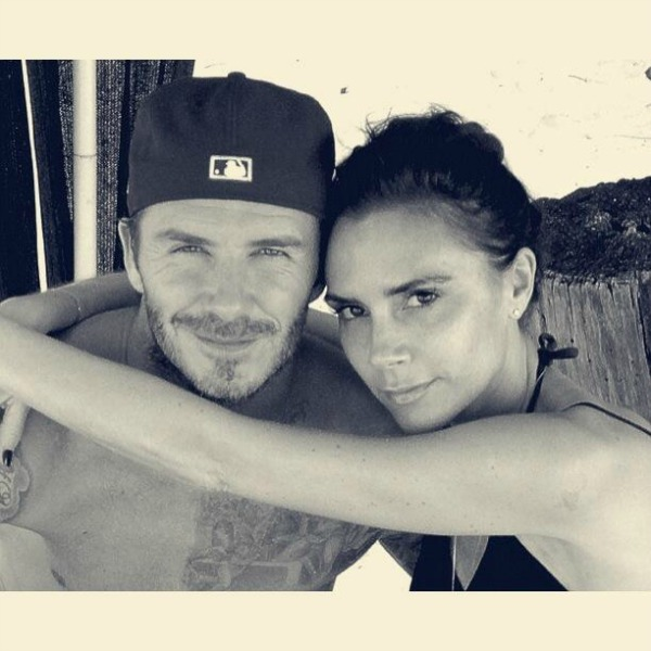 Viktorija i Bekam Twitter na crvenom tepihu: Da zakopčam jeleče, ne treba mi, nano