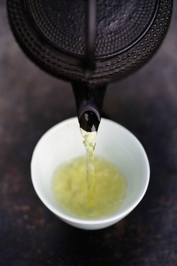 Zeleni čaj 30 najefikasnijih namirnica koje pročišćavaju kožu (3. deo)