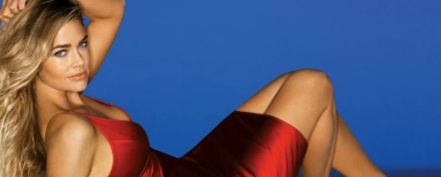 10 haljina: Denise Richards