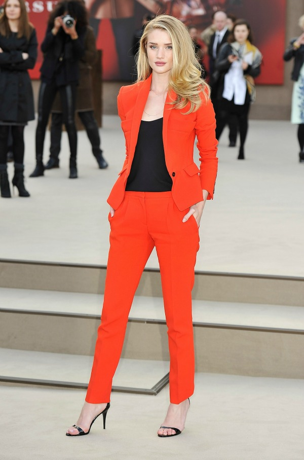 3 Rosie Huntington W Moderne i elegantne: Nosite pantalone sa stilom