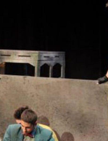 """Predstava """"Čekajući Godoa"""" na Velikoj sceni Ateljea 212"""