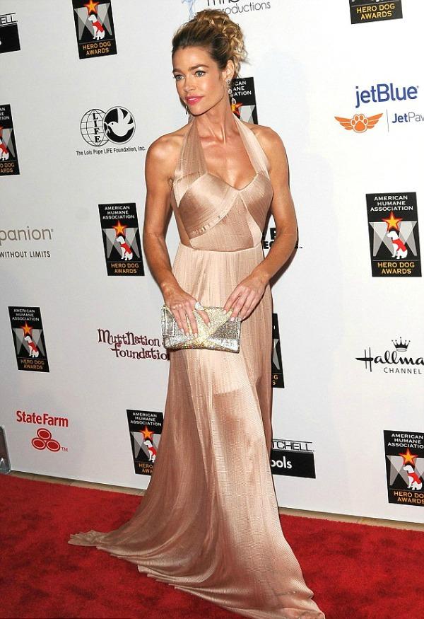 Denise Richards 10 10 haljina: Denise Richards