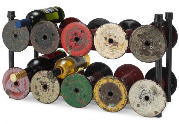 Držač od tegova Dekorativni i korisni: Deset držača za vinske boce