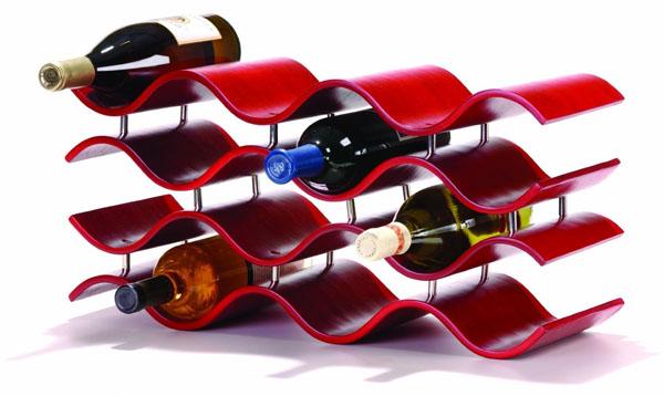 Elegantni crveni držač Dekorativni i korisni: Deset držača za vinske boce