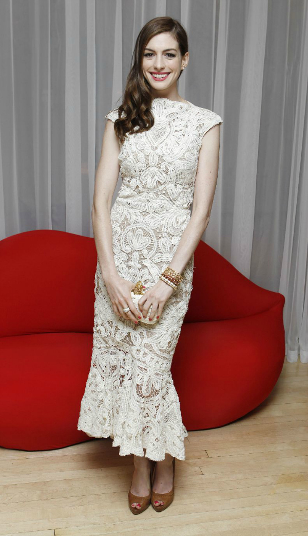 En Deset poznatih dama u čipkastim haljinama