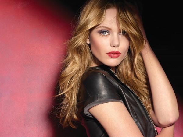 Frida će uskoro snimiti reklamne kampanje za Maybelline Modni zalogaj: Novo zaštitno lice kozmetičkog brenda Maybelline je…
