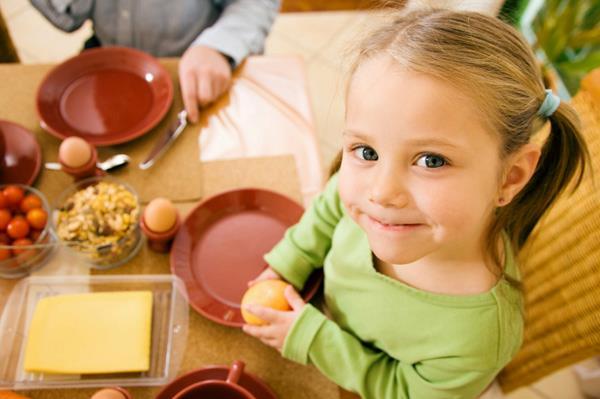 Ja od sve hrane najviše volim da jedem torte Tako Dunja kaže: Spavala bih k'o Uspavana lepotica!