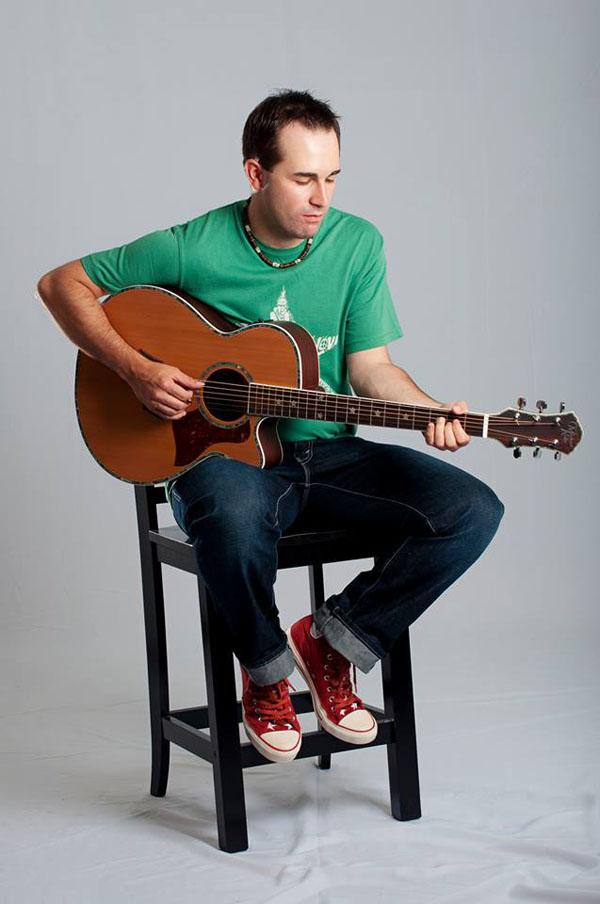 Slika 1 Moji heroji su bili ljudi koji pevaju sa gitarom za mene drugi instrument nije postojao Wannabe intervju: Žarko Milutinović
