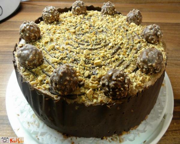 Ukusne poslastice Gotov kolač Ukusne poslastice: Ferero kolač