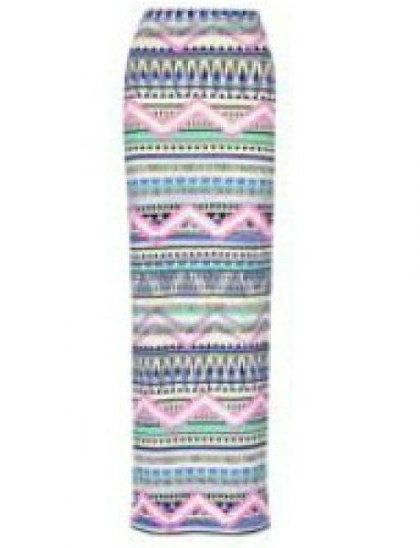 Kako možete kombinovati višebojnu maksi suknju