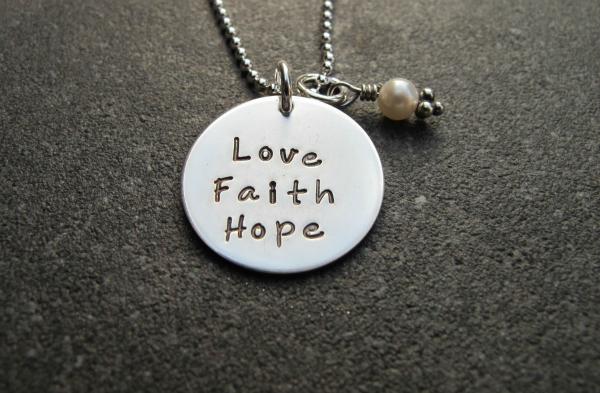 Vera ljubav nada Sloboda iskrenosti