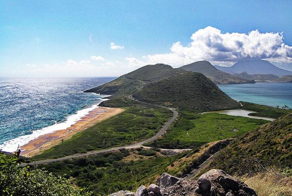 Zelena brda zapljuskuje okean Vodič kroz najmanje zemlje sveta