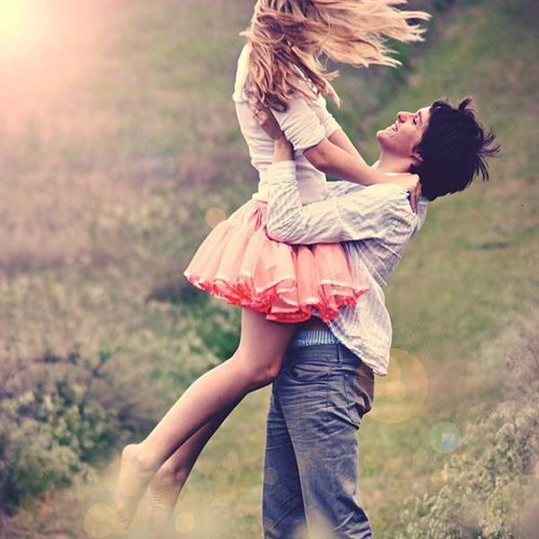 couple happy love emotive nature photography ce8d0b3ce79744594e1034066ef4ca8b h large Horoskop za jun: Bik (ljubav)