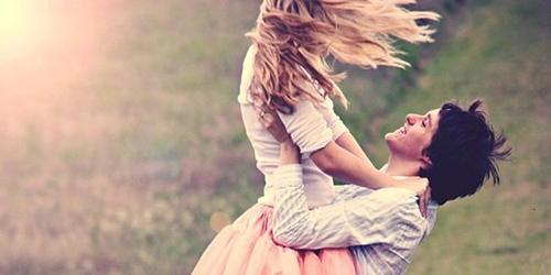 couple happy love emotive nature photography ce8d0b3ce79744594e1034066ef4ca8b h large1 45 zdravih navika za srećniji život