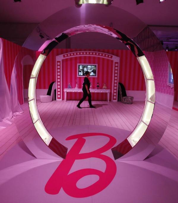 slika4.jpg Barbie kuća u prirodnoj veličini