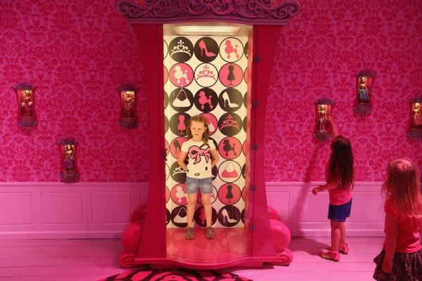 slika6.jpg Barbie kuća u prirodnoj veličini