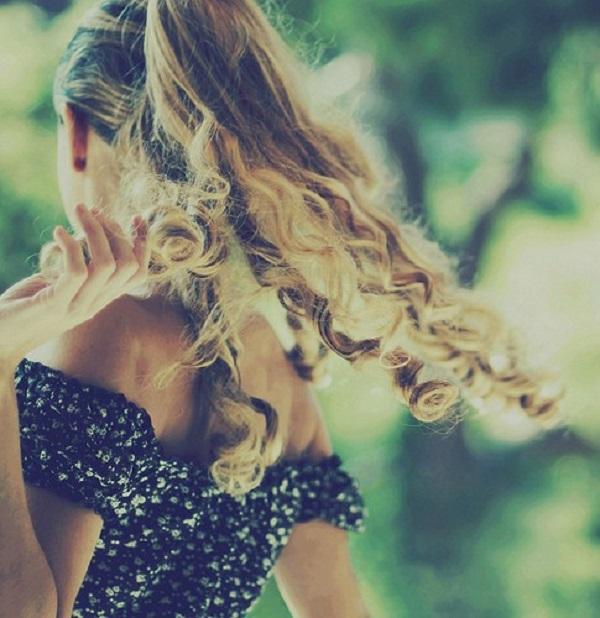 spiralne lokne Imajte modernu frizuru ove sezone