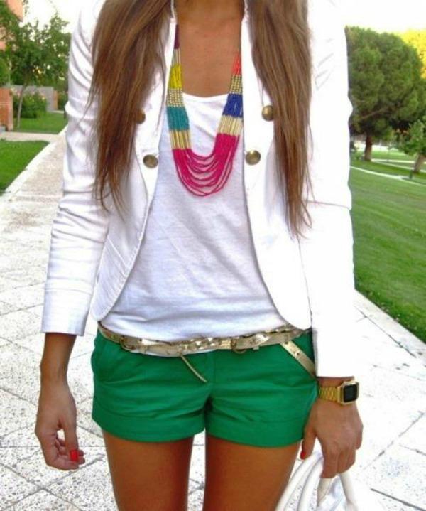 2 majica i nakit Za sva vremena: Klasična bela majica