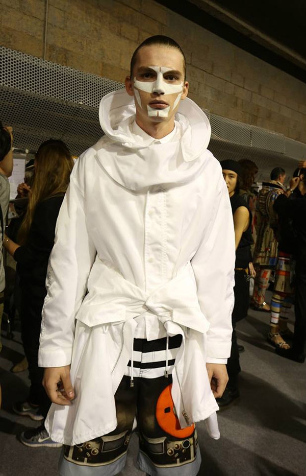 421933 668502679830531 1166415011 n Backstage Love: Givenchy