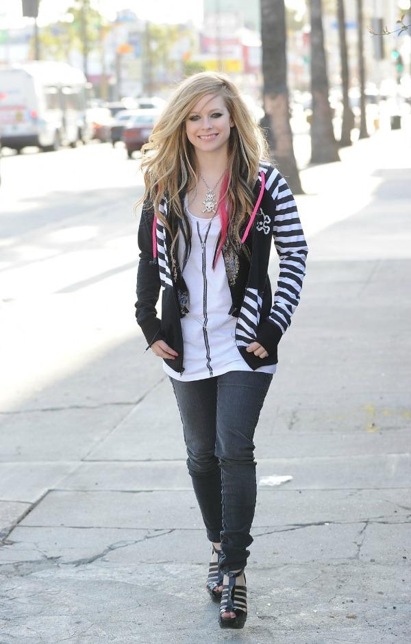 Avril Lavigne 3 Street Style: Avril Lavigne