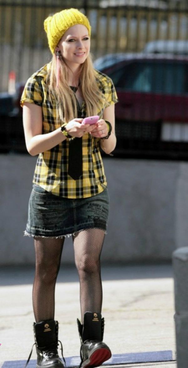 Avril Lavigne 8 Street Style: Avril Lavigne