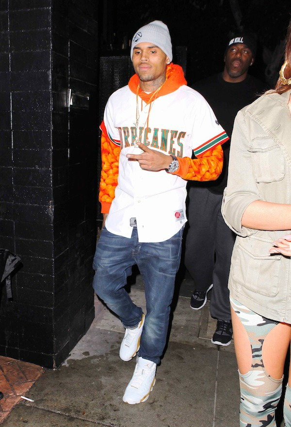 Chris u belo narandzastom 2.jpg Street Style: Chris Brown