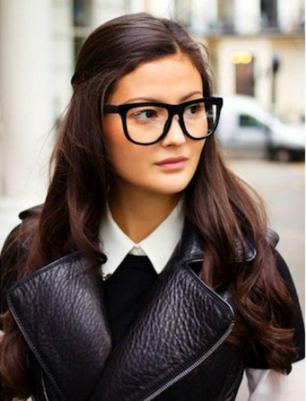 Crna kozna jakna Deset načina da izgledate očaravajuće sa naočarima