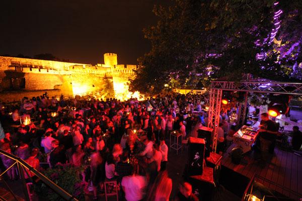 DSC 2367 DJ Tom Novi napravio šou na Terassi