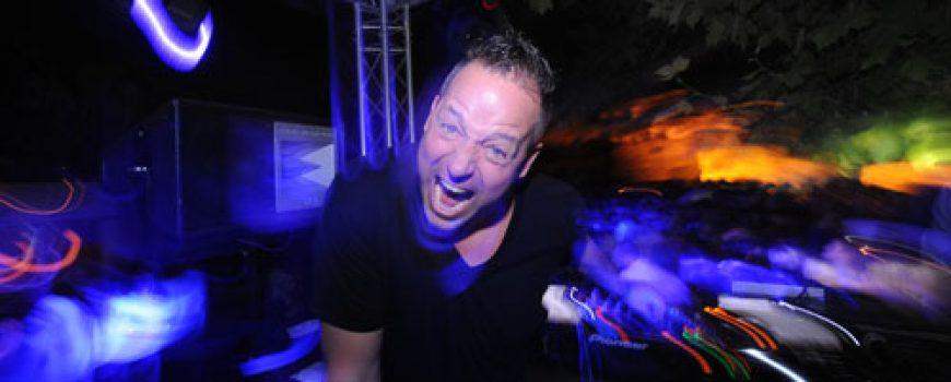 """DJ Tom Novi napravio šou na """"Terassi"""""""