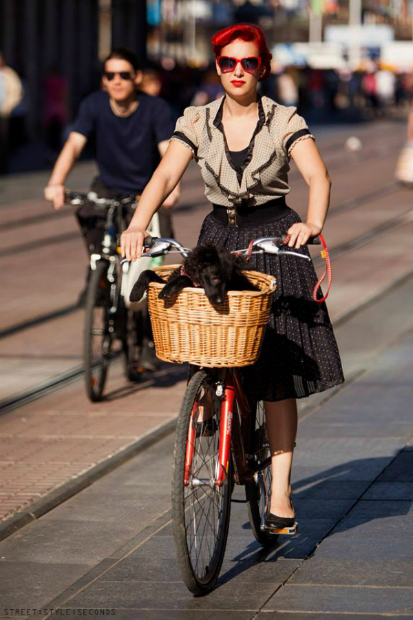 Devojka na biciklu Street Style: Fantastično leto u Zagrebu (2. deo)