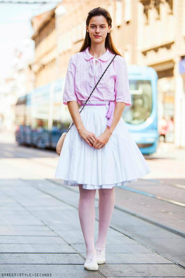 Devojka u belo roze kombinaciji Street Style: Fantastično leto u Zagrebu (1. deo)