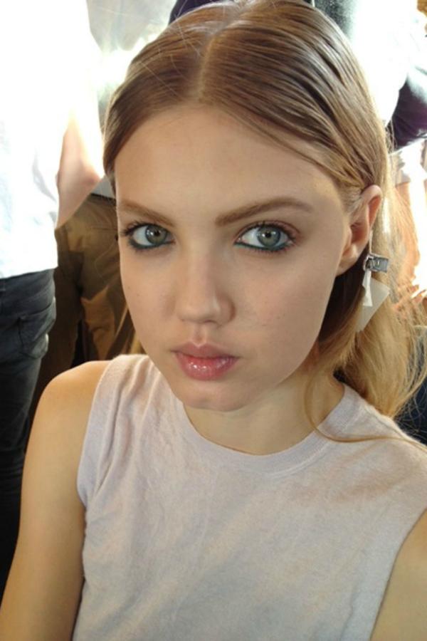 Klasicno Beauty predlog: Plava olovka za oči
