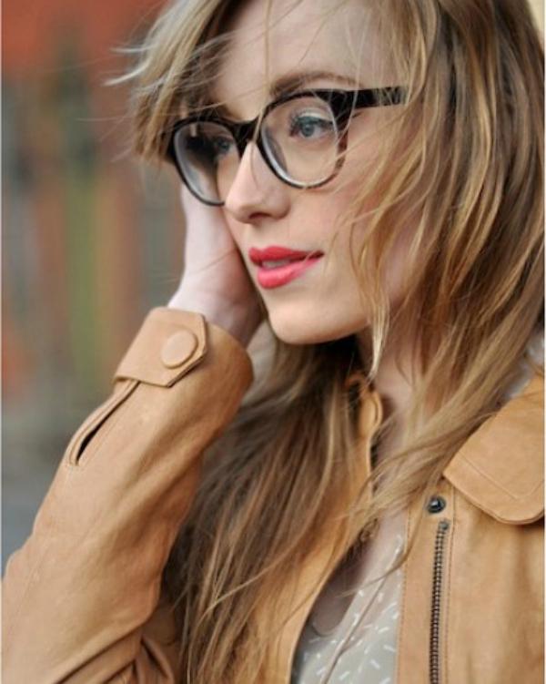 Krem jakna Deset načina da izgledate očaravajuće sa naočarima
