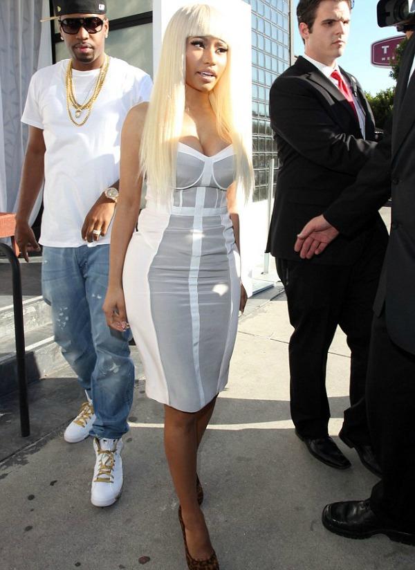 Nicki u beloj haljini 1. jpg Street Style: Nicki Minaj