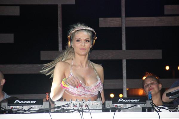 Niki Belucci Nikki Belluci & Belvedere Unfiltred pravo sa Ibice u Beograd
