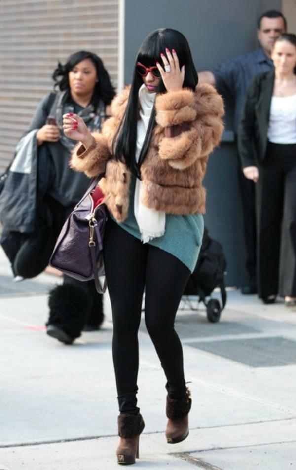 Niki u bundici 8.jpg Street Style: Nicki Minaj
