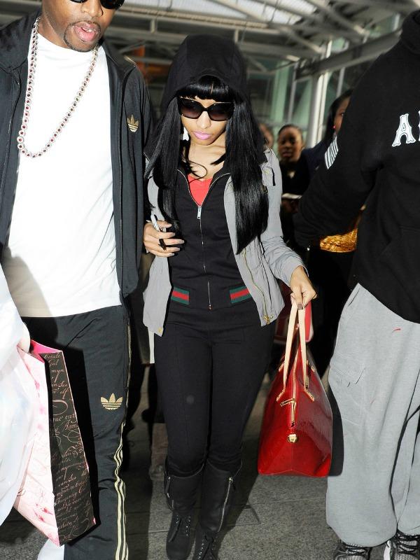 Niki u trenerci 5.jpg Street Style: Nicki Minaj